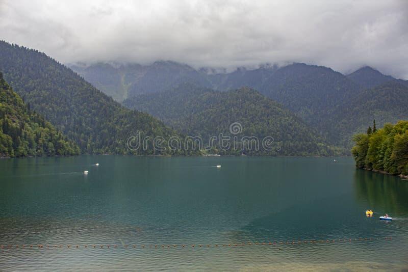 Λίμνη Ritza στοκ εικόνα με δικαίωμα ελεύθερης χρήσης