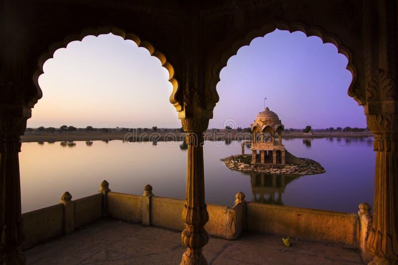 Λίμνη Sagar Gadi σε Jaisalmer, Rajasthan, Ινδία στοκ φωτογραφία