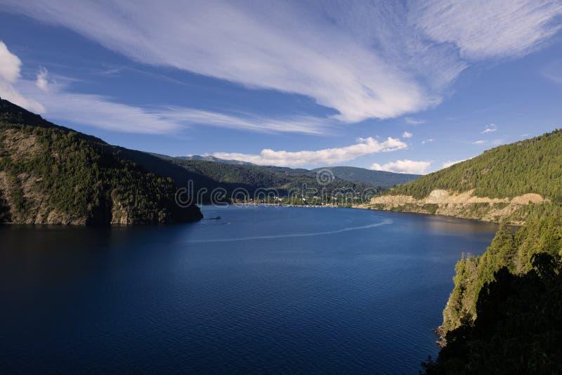 Λίμνη SAN Martin de Los Άνδεις αυτοκινήτων LÃ ¡ στοκ φωτογραφίες