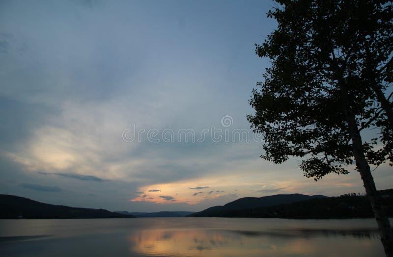 λίμνη sunsets στοκ εικόνα με δικαίωμα ελεύθερης χρήσης