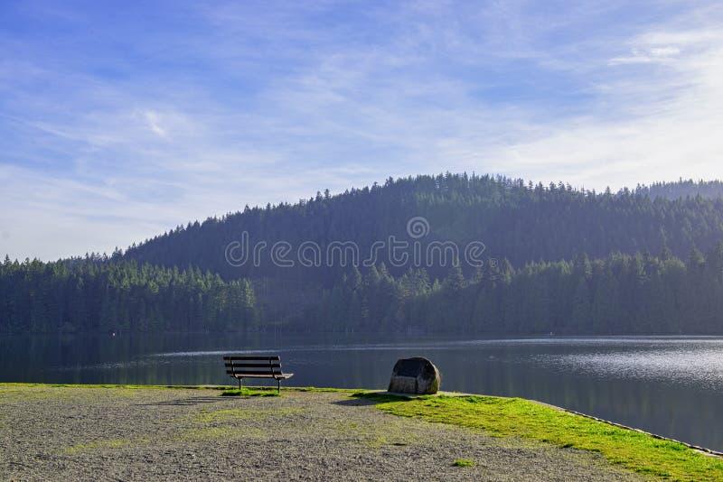 Λίμνη Westwood κατά τη διάρκεια της πτώσης σε Nanaimo, Π.Χ., Καναδάς στοκ φωτογραφία με δικαίωμα ελεύθερης χρήσης