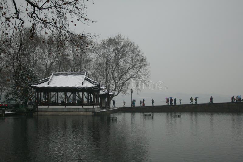 Λίμνη Xihu μετά από το χιόνι στοκ φωτογραφία με δικαίωμα ελεύθερης χρήσης