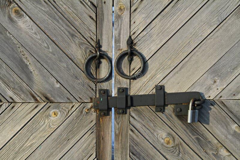 Λαβή μετάλλων και hasp με την κλειδαριά στοκ φωτογραφίες με δικαίωμα ελεύθερης χρήσης