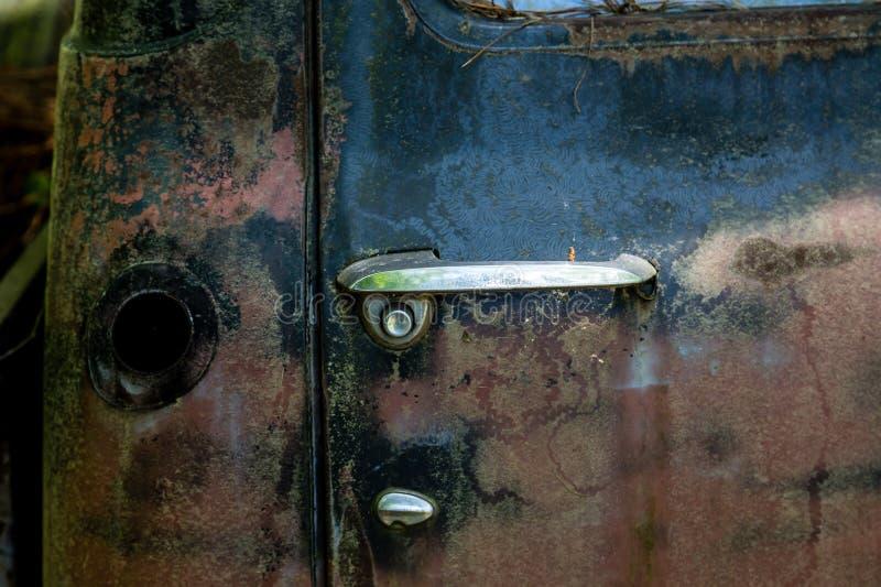 Λαβή πορτών και δεξαμενή αερίου στοκ εικόνα με δικαίωμα ελεύθερης χρήσης