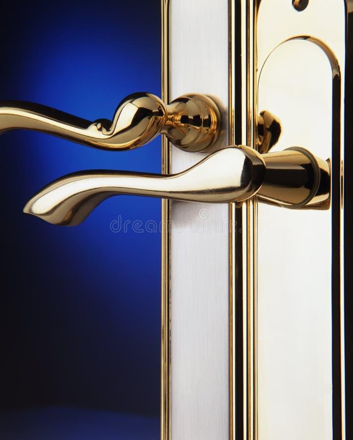 λαβή πορτών ορείχαλκου στοκ εικόνες