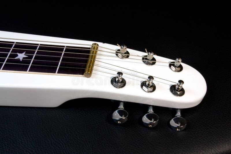 Λαιμός της ηλεκτρικής κιθάρας χάλυβα περιτυλίξεων στοκ φωτογραφίες με δικαίωμα ελεύθερης χρήσης
