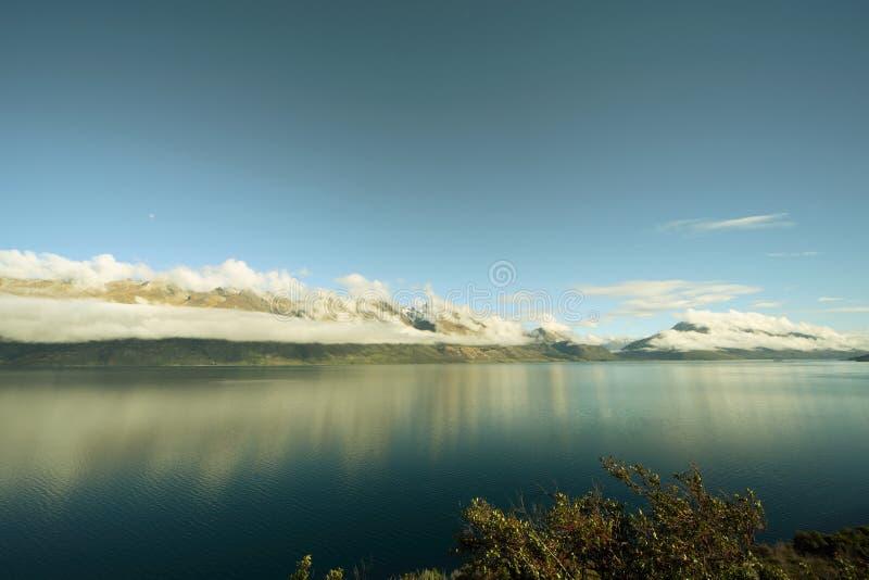 λαμπρή λίμνη στοκ εικόνες με δικαίωμα ελεύθερης χρήσης