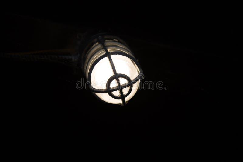 Λαμπτήρας σκηνικού σκοταδιού πηγής φωτός στοκ φωτογραφία