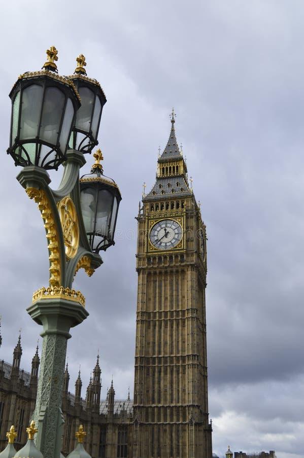 Λαμπτήρας Big Ben και οδών στοκ φωτογραφία με δικαίωμα ελεύθερης χρήσης