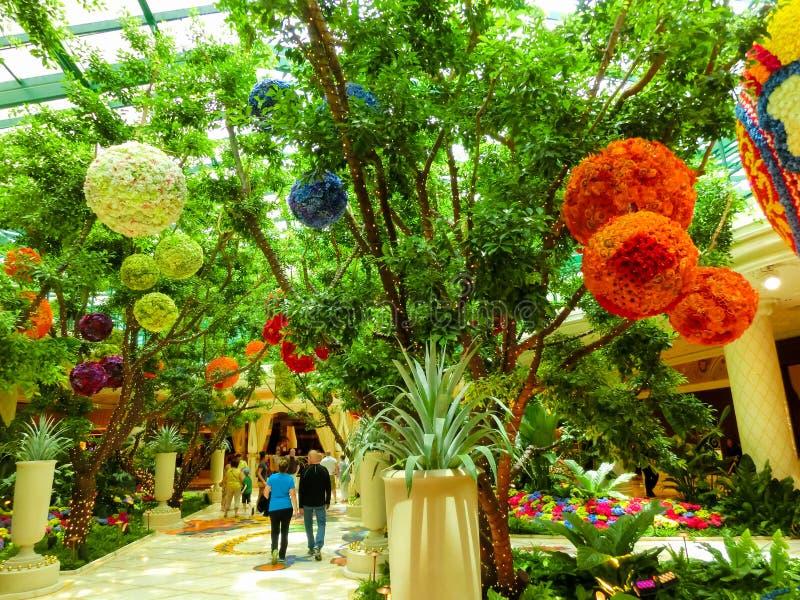 Λας Βέγκας, Ηνωμένες Πολιτείες της Αμερικής - 6 Μαΐου 2016: Εγκατάσταση λουλουδιών στο ξενοδοχείο και τη χαρτοπαικτική λέσχη Wynn στοκ φωτογραφίες