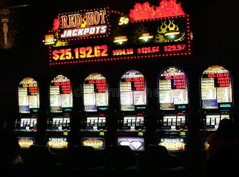 ΛΑΣ ΒΈΓΚΑΣ ΝΕΒΑΔΑ, ΗΠΑ - 18 ΑΥΓΟΎΣΤΟΥ 2009: Εκλεκτής ποιότητας μηχανήματα τυχερών παιχνιδιών με κέρματα σε μια χαρτοπαικτική λέσχ στοκ εικόνα με δικαίωμα ελεύθερης χρήσης