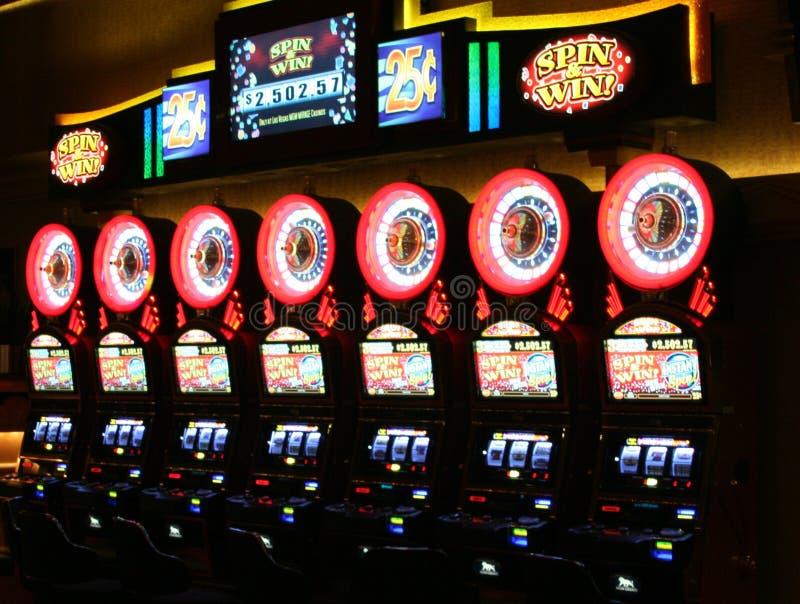 ΛΑΣ ΒΈΓΚΑΣ ΝΕΒΑΔΑ, ΗΠΑ - 18 ΑΥΓΟΎΣΤΟΥ 2009: Η άποψη σχετικά με την εκλεκτής ποιότητας περιστροφή μηχανημάτων τυχερών παιχνιδιών μ στοκ εικόνα