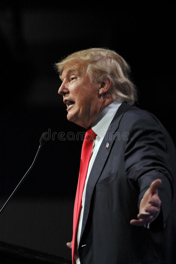 ΛΑΣ ΒΈΓΚΑΣ ΝΕΒΑΔΑ, ΣΤΙΣ 14 ΔΕΚΕΜΒΡΊΟΥ 2015: Ο δημοκρατικός προεδρικός υποψήφιος Ντόναλντ Τραμπ μιλά στο γεγονός εκστρατείας σε We στοκ εικόνα