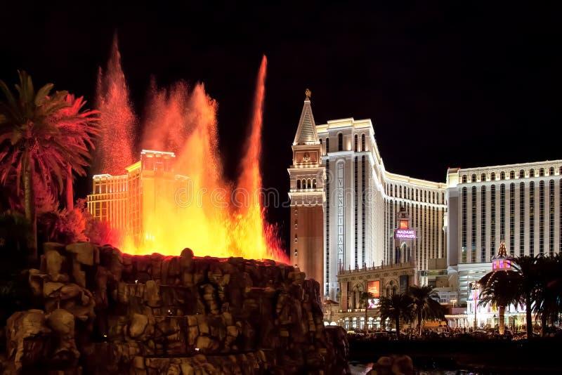 ΛΑΣ ΒΈΓΚΑΣ, NEVADA/USA - 3 ΑΥΓΟΎΣΤΟΥ: Ηφαίστειο στο ξενοδοχείο ι αντικατοπτρισμού στοκ φωτογραφίες
