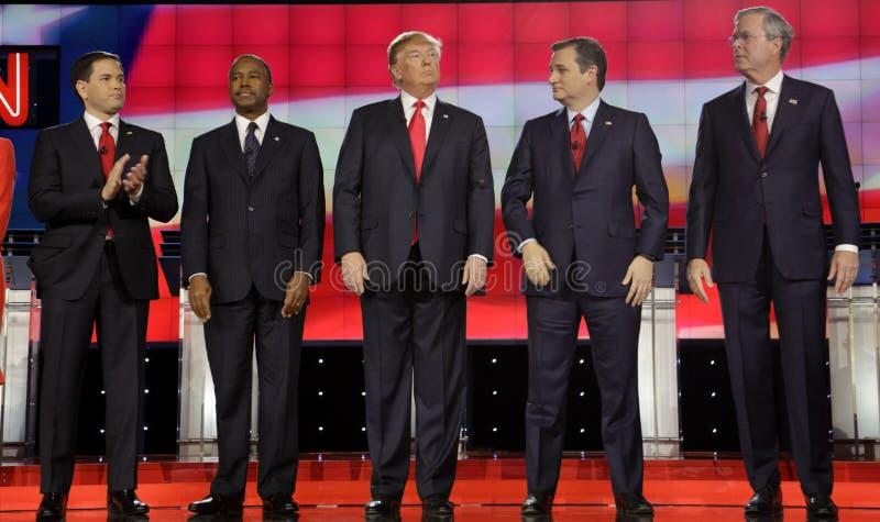 ΛΑΣ ΒΈΓΚΑΣ, NV - 15 ΔΕΚΕΜΒΡΊΟΥ: Δημοκρατικοί προεδρικοί υποψήφιοι (LR) Marco Rubio, Ben Carson, Ντόναλντ Τραμπ, Sen TED Cruz, Bu  στοκ εικόνα με δικαίωμα ελεύθερης χρήσης