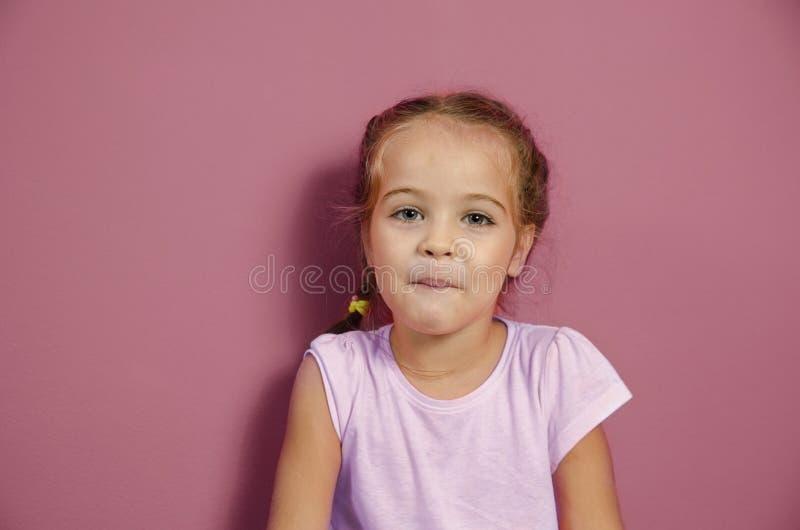 λατρευτό κορίτσι λίγο πο στοκ εικόνα με δικαίωμα ελεύθερης χρήσης