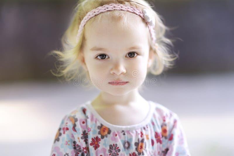 λατρευτό πορτρέτο κοριτ&sig στοκ εικόνα