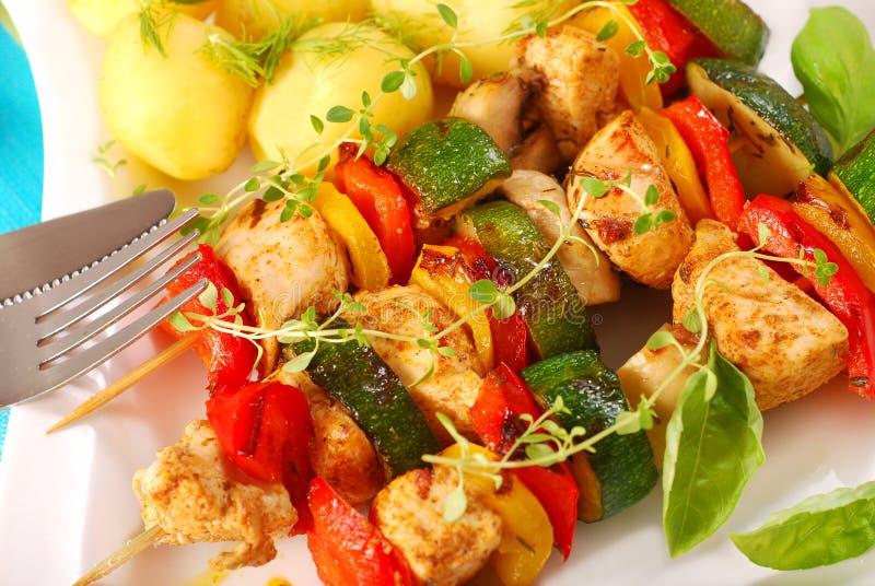 λαχανικά οβελιδίων κοτόπ στοκ εικόνες