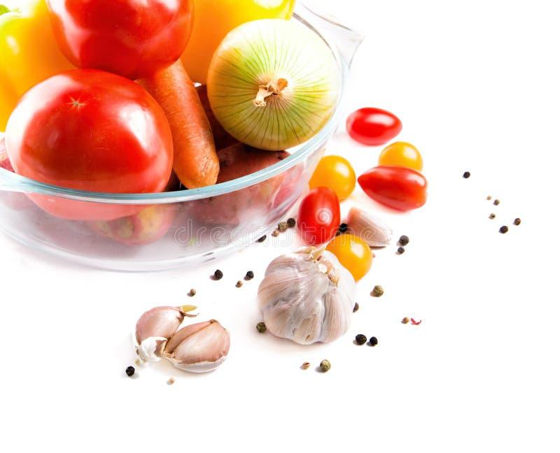 Download Λαχανικά σε ένα δοχείο γυαλιού που απομονώνεται στο άσπρο υπόβαθρο Στοκ Εικόνες - εικόνα από προετοιμαστείτε, τρόφιμα: 62724634