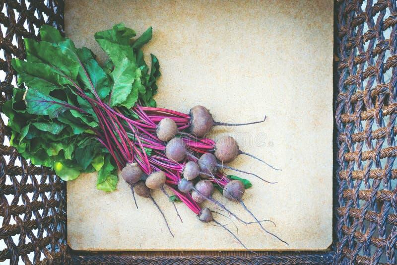 Λαχανικά στο κιβώτιο στοκ εικόνα
