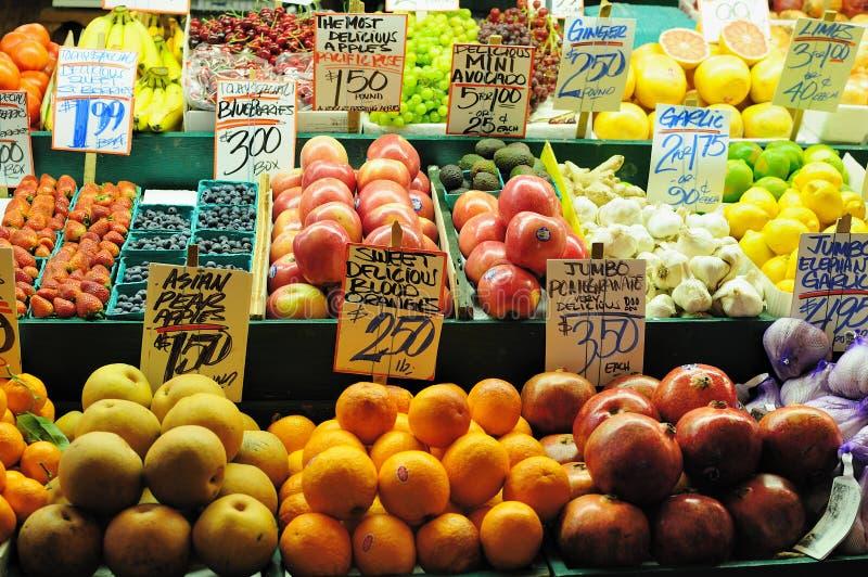 λαχανικό καταστημάτων καρ στοκ φωτογραφίες