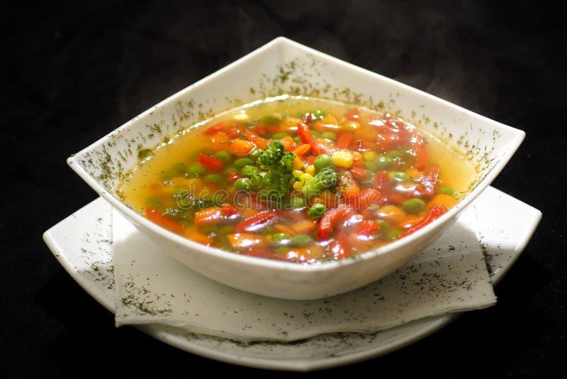 Download λαχανικό σούπας στοκ εικόνες. εικόνα από catering, γαστρονομικός - 1525920