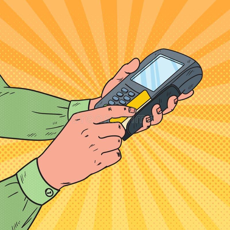 Λαϊκή πιστωτική κάρτα Swiping χεριών τέχνης αρσενική με το τερματικό τράπεζας Πληρωμή με POS στο κατάστημα ελεύθερη απεικόνιση δικαιώματος