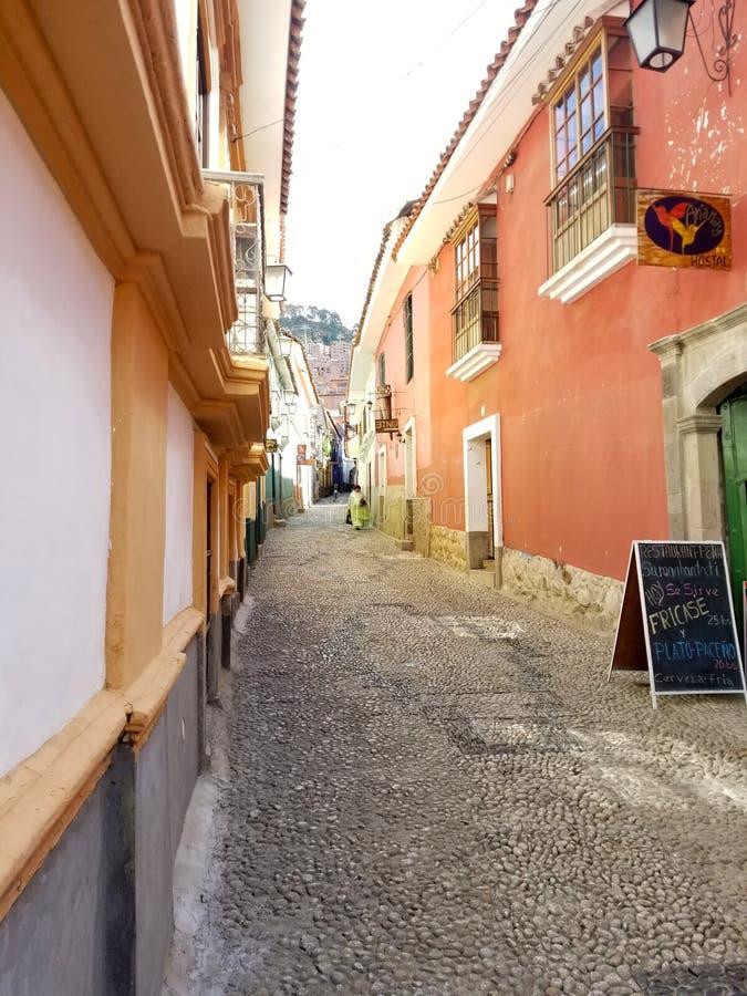 ΛΑ ΠΑΖ, ΒΟΛΙΒΙΑ, ΤΟ ΔΕΚΈΜΒΡΙΟ ΤΟΥ 2018: Λα Παζ, οδοί της Βολιβίας στο κέντρο πόλεων στοκ εικόνα
