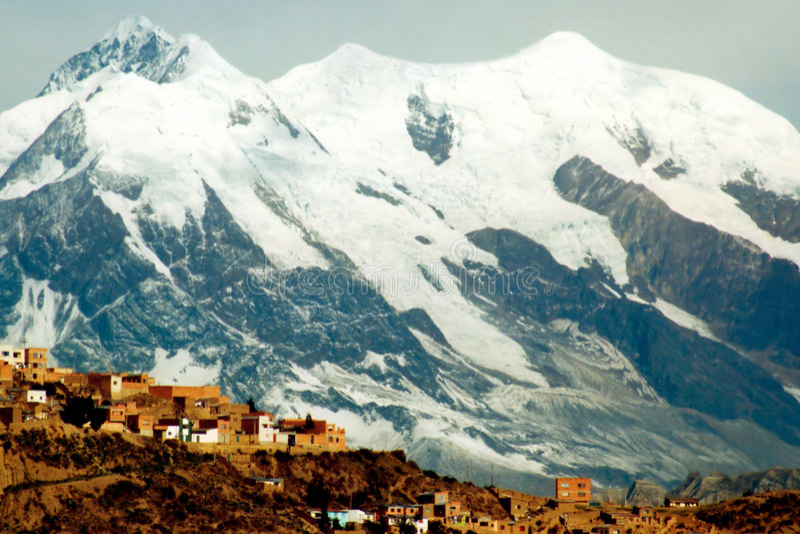 Download Λα paz στοκ εικόνα. εικόνα από σειρά, νότος, χιόνι, βουνά - 394781