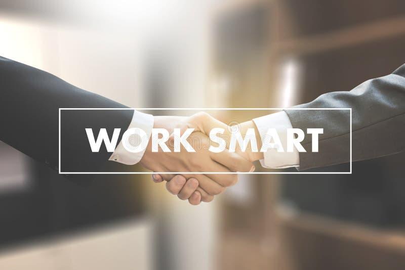 Λειτουργώντας πέρασμα ανάπτυξης αύξησης εργασίας έξυπνο παραγωγικό αποτελεσματικό στοκ εικόνες με δικαίωμα ελεύθερης χρήσης
