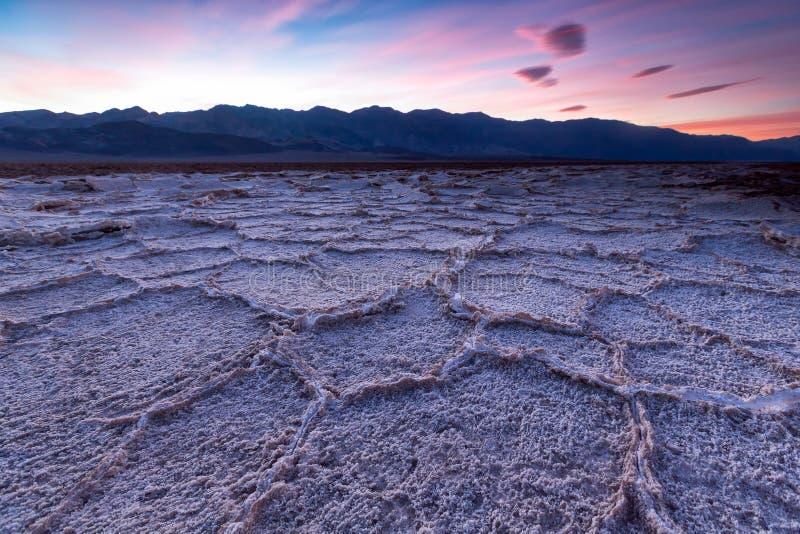 Λεκάνη Badwater, κοιλάδα θανάτου, Καλιφόρνια, ΗΠΑ στοκ φωτογραφία
