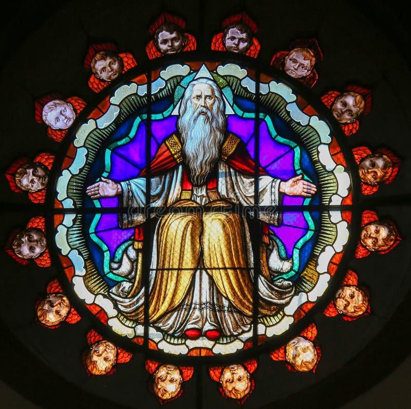 Λεκιασμένο γυαλί του Θεού - βασιλική του SAN Petronio, Μπολόνια στοκ φωτογραφία με δικαίωμα ελεύθερης χρήσης