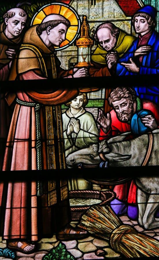 Λεκιασμένο γυαλί - Άγιος Anthony της Πάδοβας στοκ φωτογραφία με δικαίωμα ελεύθερης χρήσης