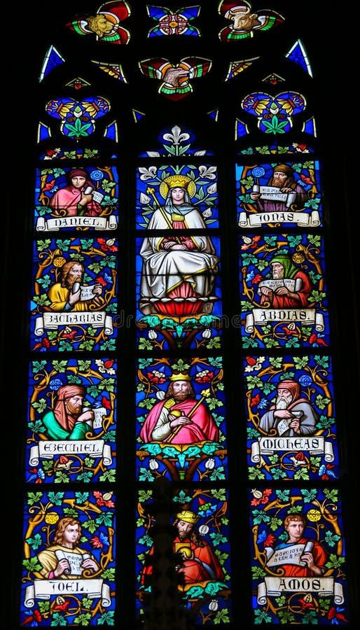 Λεκιασμένο γυαλί - μητέρα Mary και προφήτες στοκ εικόνες