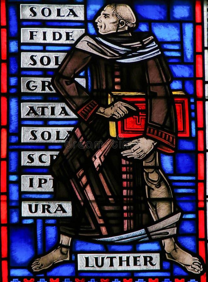Λεκιασμένο γυαλί στα σκουλήκια - Martin Luther στοκ φωτογραφία με δικαίωμα ελεύθερης χρήσης