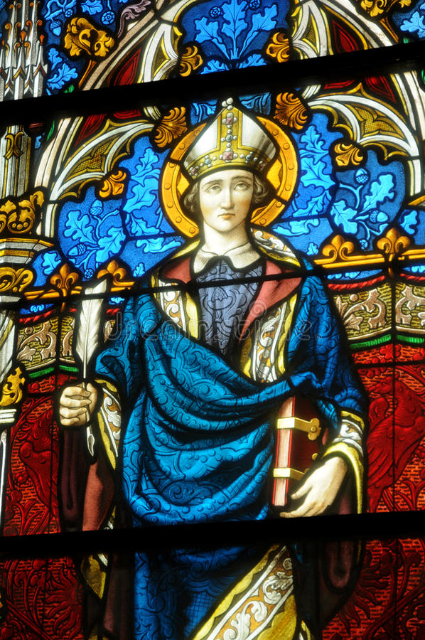 Λεκιασμένο παράθυρο γυαλιού της εκκλησίας Vigny στοκ φωτογραφία