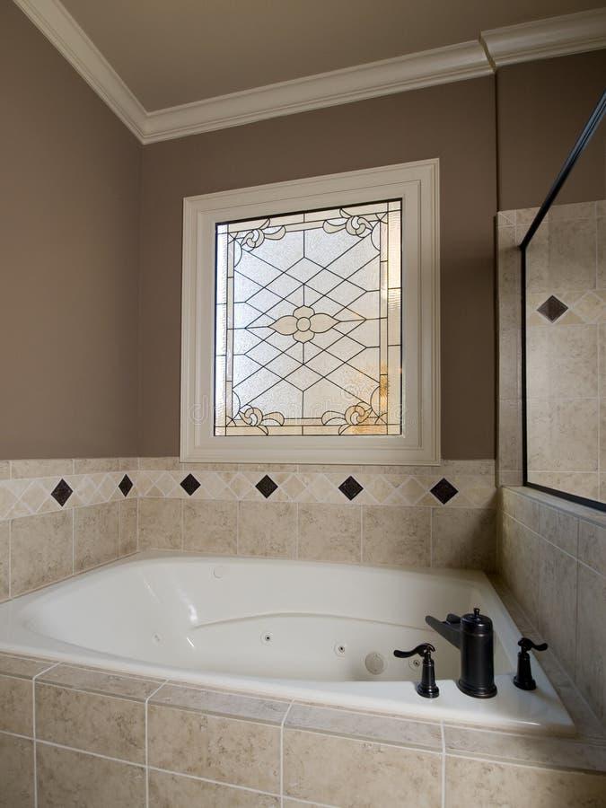 λεκιασμένο πολυτέλεια παράθυρο jacuzzi γυαλιού στοκ φωτογραφία
