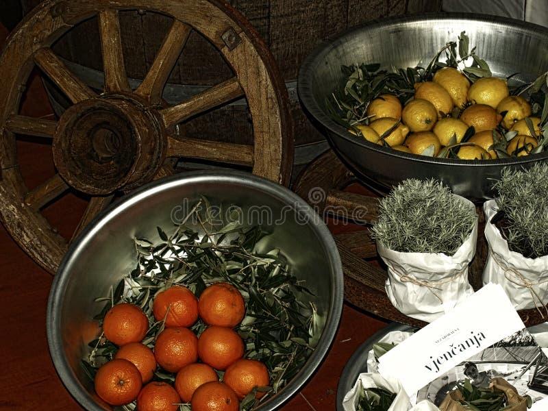 Λεμόνια, εσωτερικός, πορτοκαλής, αναπαραγωγή, eco, προϊόντα, που εκτίθενται, δίκαια στοκ φωτογραφίες με δικαίωμα ελεύθερης χρήσης
