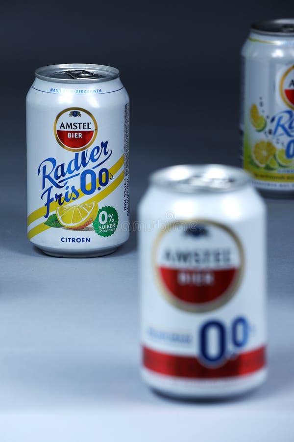 Λεμόνι Radler, μη οινοπνευματώδεις μπύρες Amstel, που απομονώνονται στοκ φωτογραφίες με δικαίωμα ελεύθερης χρήσης