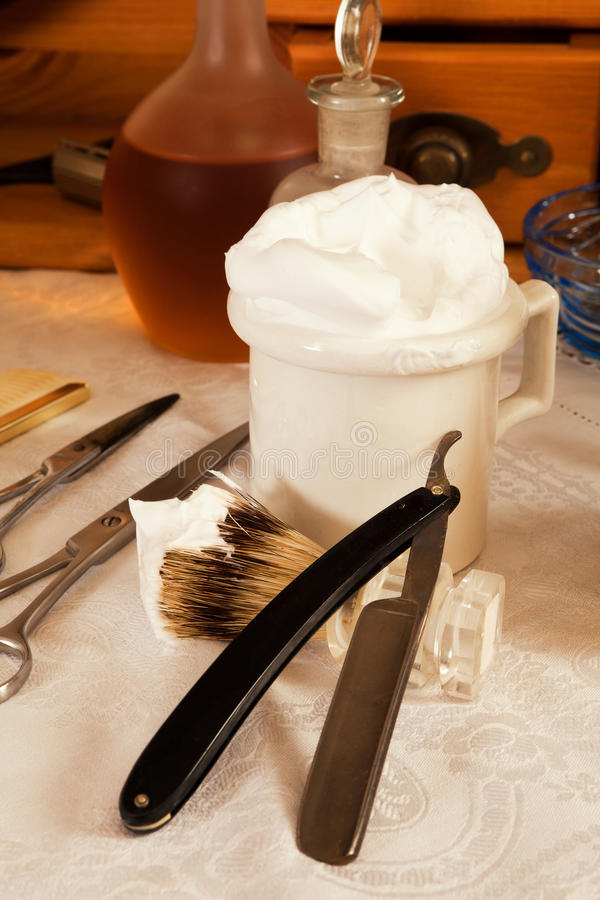 Λεπίδα και σαπούνι ξυραφιών στοκ φωτογραφία