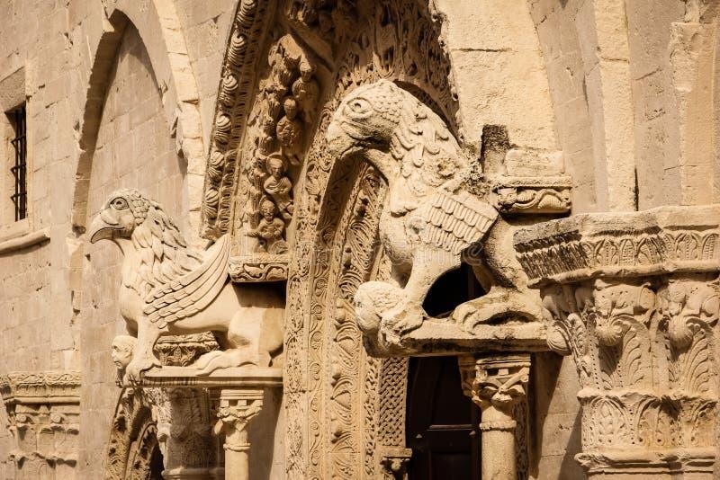 Λεπτομέρεια εισόδων Καθεδρικός ναός Di Πούλια Ruvo Apulia Ιταλία στοκ εικόνα με δικαίωμα ελεύθερης χρήσης