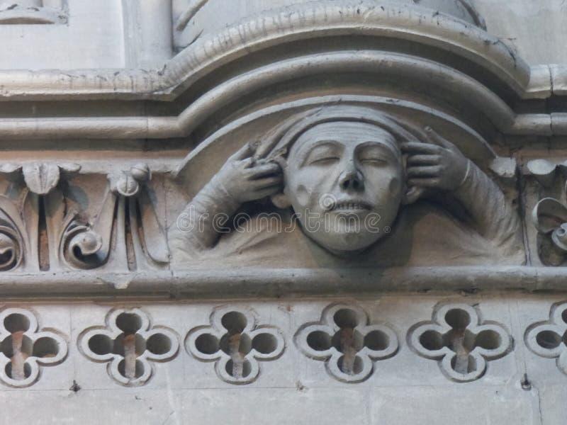 Λεπτομέρεια ενός αγάλματος του καθεδρικού ναού Notre-Dame του Bayeux σε Normandie r στοκ εικόνα