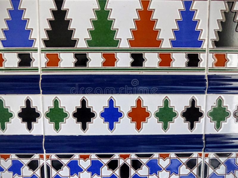 Λεπτομέρεια ενός χρωματισμένου κεραμιδιού χαρακτηριστικού της Ανδαλουσίας στην Ισπανία στοκ εικόνες με δικαίωμα ελεύθερης χρήσης
