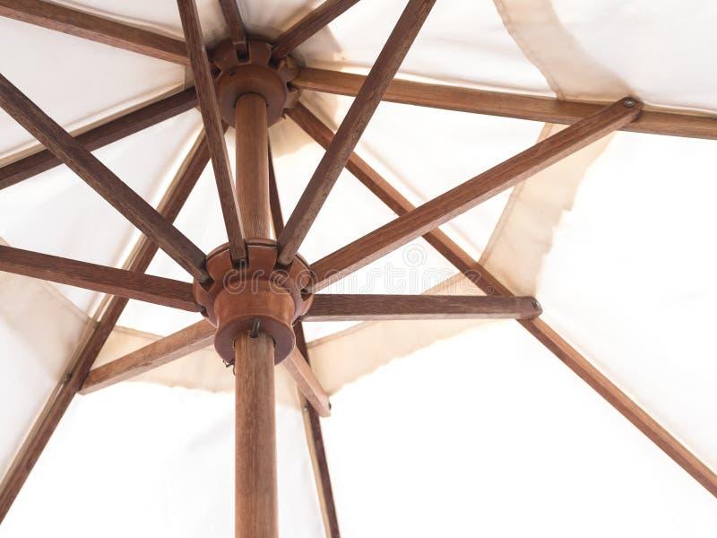 Λεπτομέρεια κάτω από την ξύλινη ομπρέλα στοκ φωτογραφία με δικαίωμα ελεύθερης χρήσης