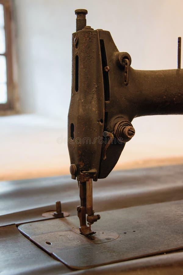 Λεπτομέρεια μιας παλαιάς χειρωνακτικής ράβοντας μηχανής πεντάλ στοκ εικόνες με δικαίωμα ελεύθερης χρήσης