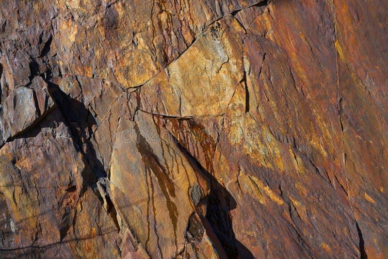 Λεπτομέρεια σύστασης πετρών πλακών στα Πυρηναία Ισπανία στοκ εικόνες