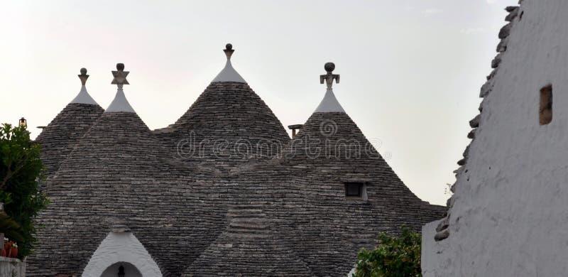 Λεπτομέρεια της στέγης Trulli, τα διάσημα κτήρια πετρών Alberobello Πούλια στοκ εικόνες