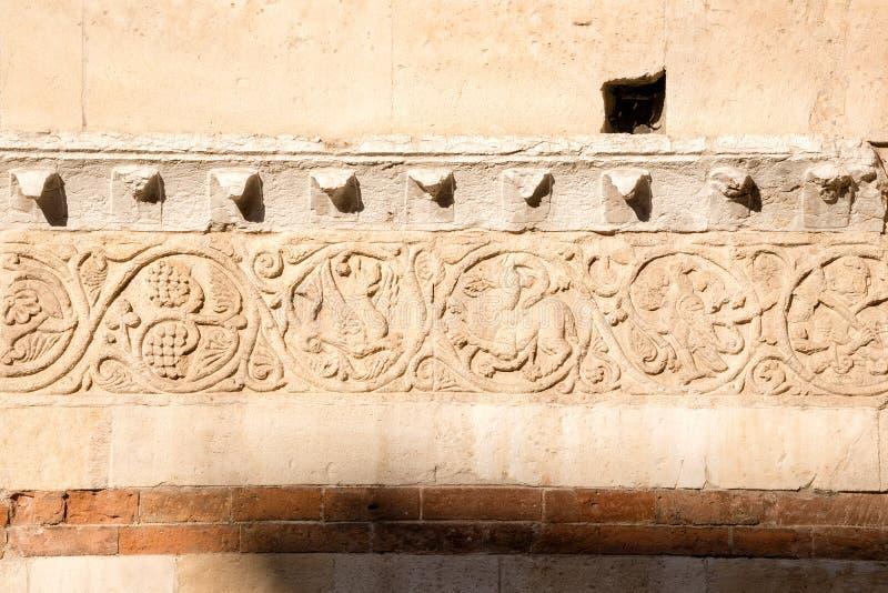 Λεπτομέρεια του καθεδρικού ναού της Βερόνα - ΧΙΙ αιώνας Ιταλία στοκ εικόνες με δικαίωμα ελεύθερης χρήσης