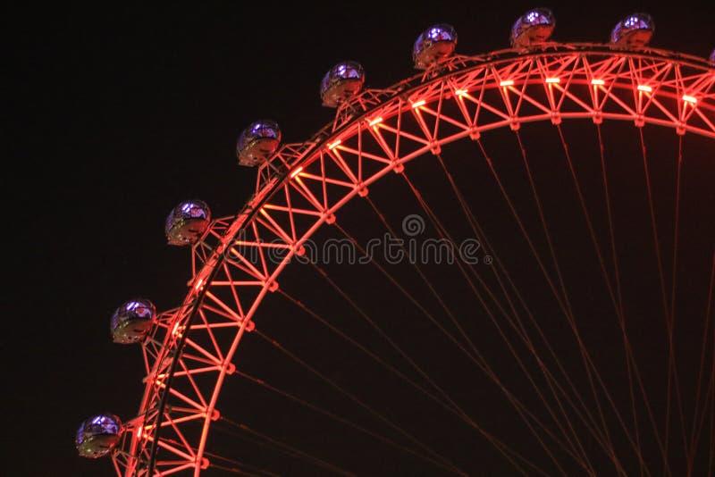 Λεπτομέρεια του ματιού του Λονδίνου στο Λονδίνο τη νύχτα στοκ εικόνες