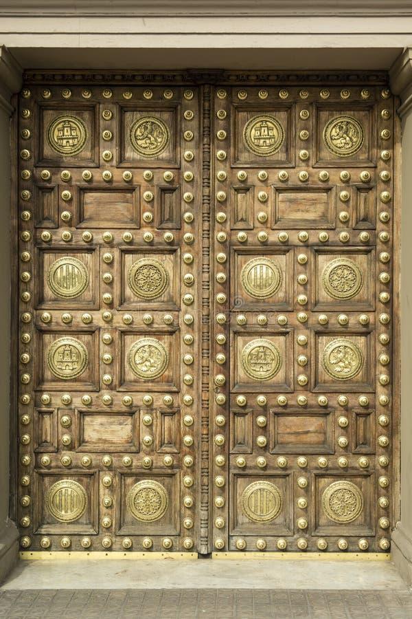 Λεπτομέρεια των διακοσμήσεων και των λεπτομερειών πορτών το γενικό κτήριο Capitania που βρίσκεται από στη Βαρκελώνη στοκ φωτογραφίες